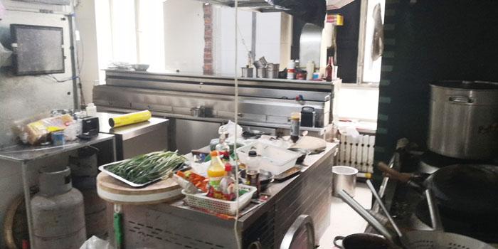 松北华远新家园小区繁华地段240平米烧烤旺铺出兑